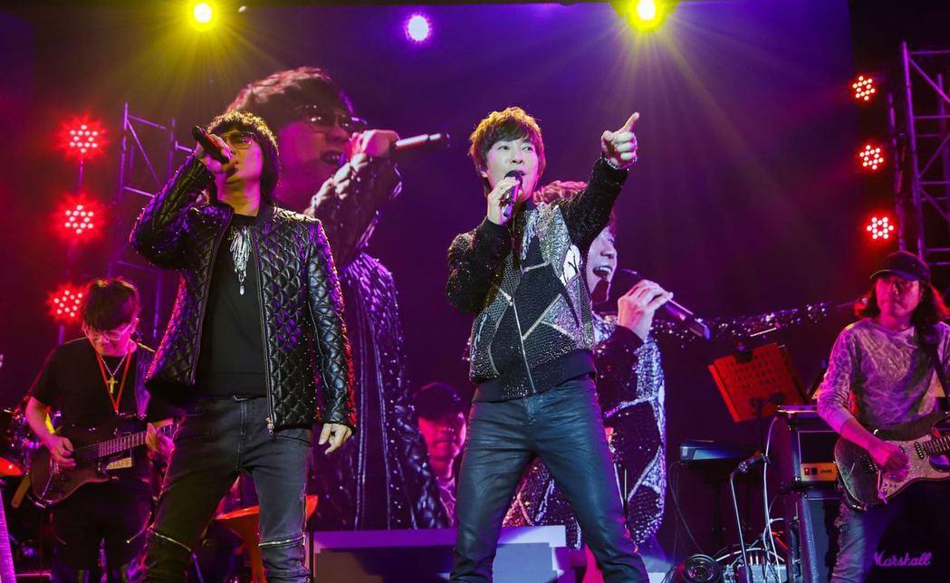 邰正宵(右)和姚可傑首度合體開唱。圖/起初音樂提供