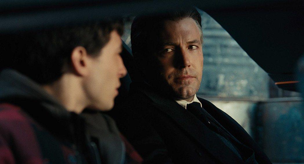 班艾佛列克在「正義聯盟」扮演蝙蝠俠。圖/摘自imdb