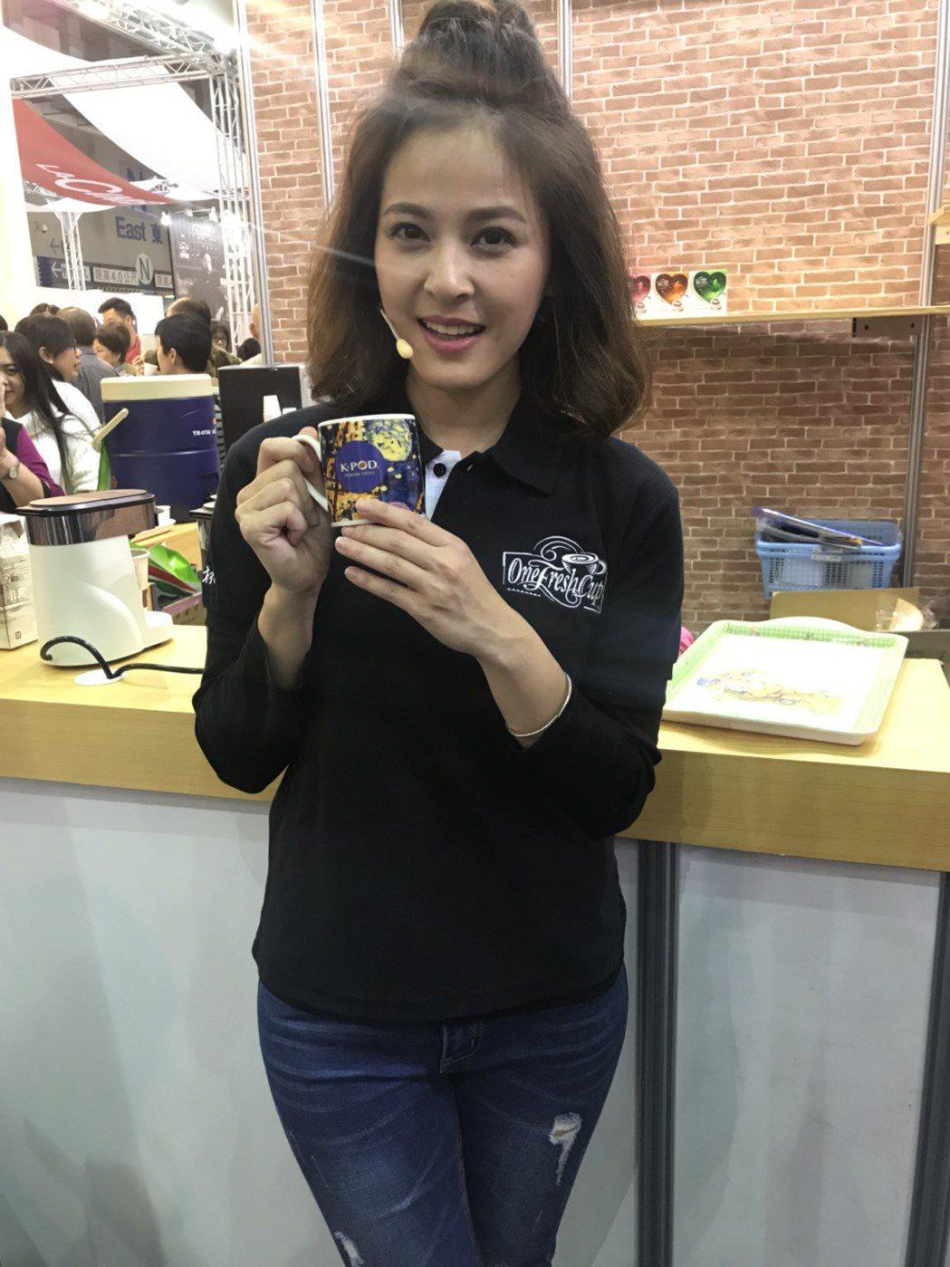 蘇晏霈第3年擔任咖啡代言人。圖/民視提供