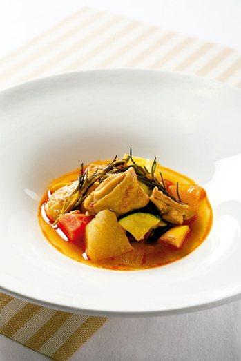 蔬菜燉雞 圖╱摘自三采出版《譚敦慈、陳之穎帶你安心過生活》非
