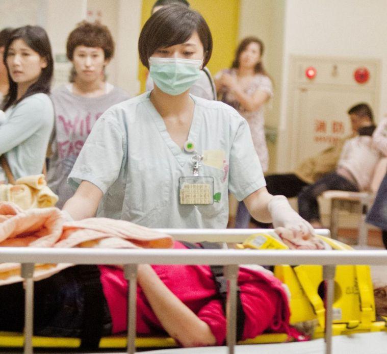 醫護人員也許不善於表達,但是只要他們還在乎,那麼這個龐大的醫療體系,就崩壞不了的...