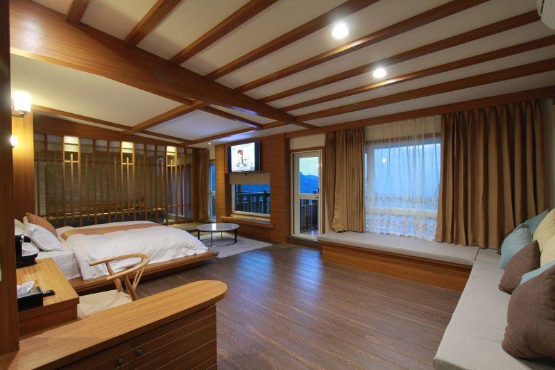 VIP絕色景觀房特別規畫偌大空間,讓旅人享受舒適的溫泉假期。(攝影/陳德偉)