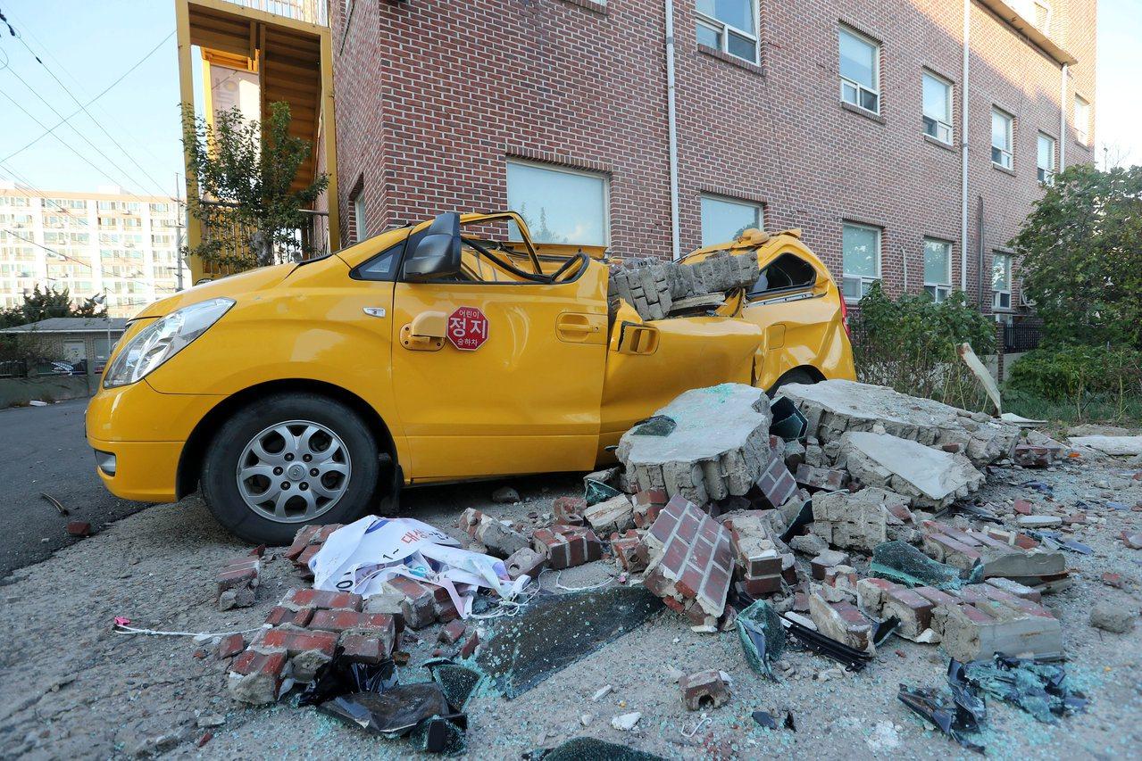 南韓浦項15日發生芮氏規模5.4 的地震。路透
