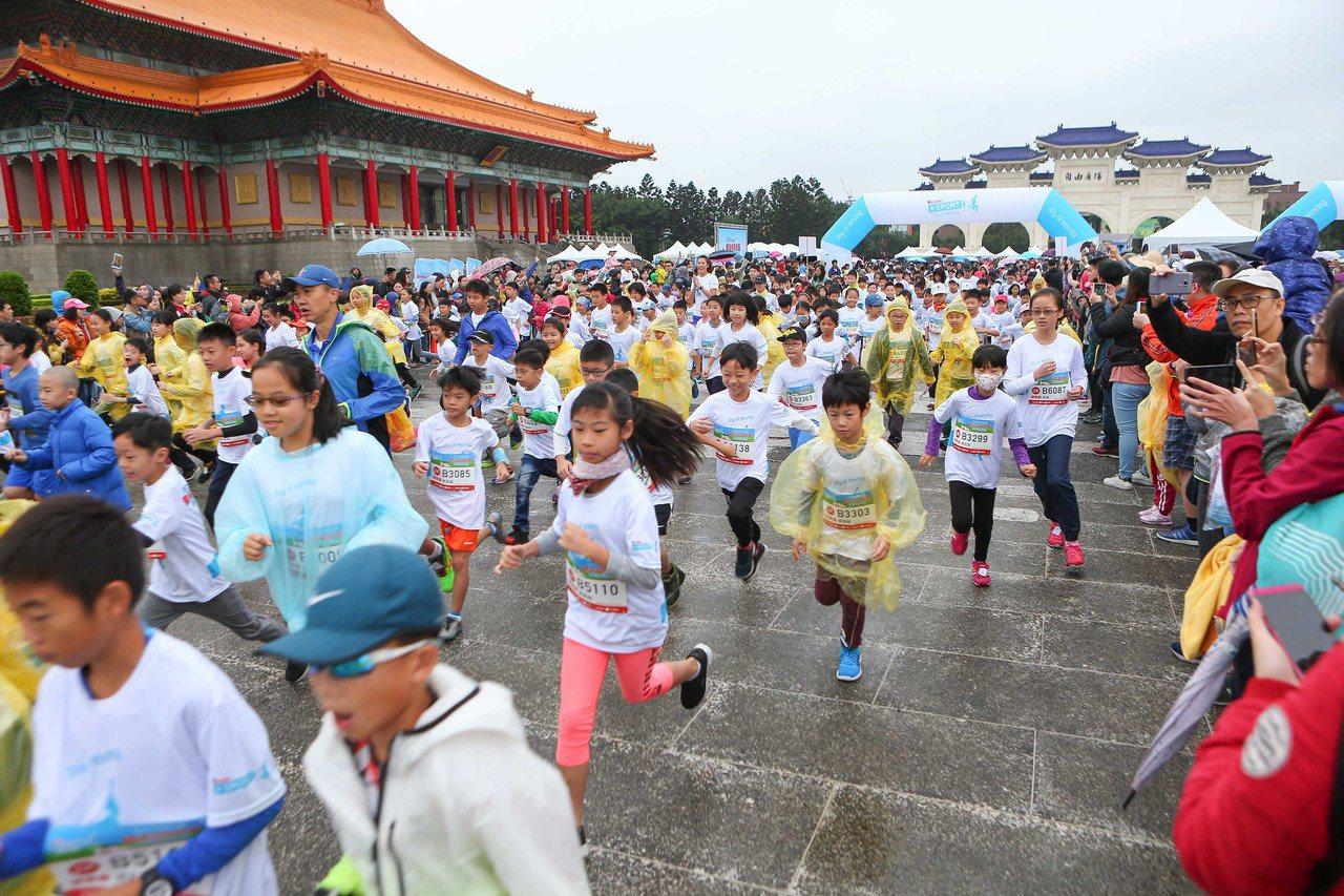 近3000名小選手在中正紀念堂展開激烈競爭。圖/海碩整合行銷提供