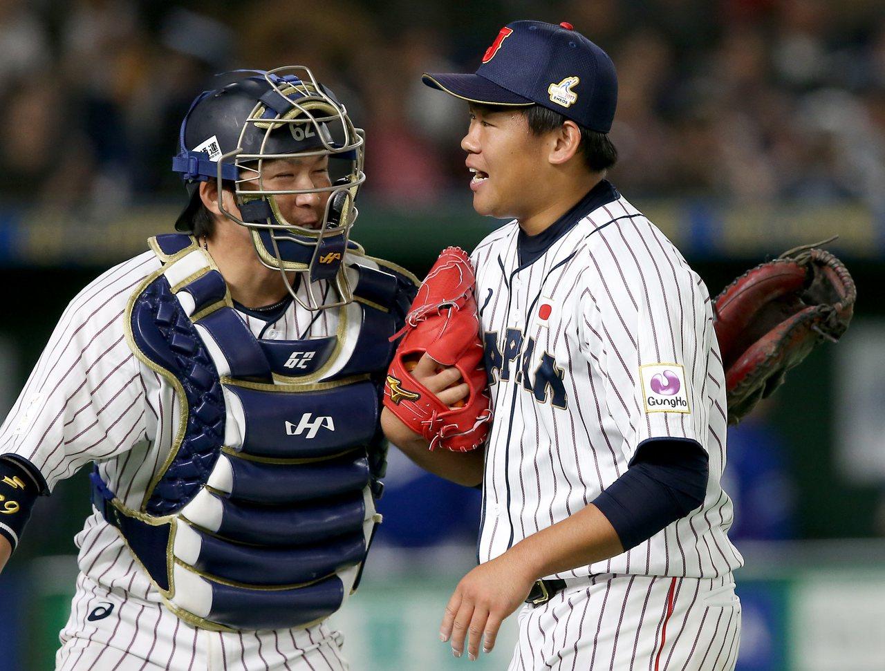 日本隊先發投手田口麗斗(右)7局無失分。記者余承翰/攝影