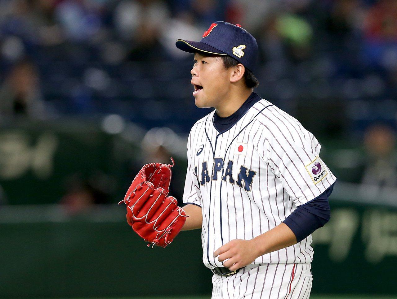日本隊先發投手田口麗斗7局無失分,為自己的表現興奮地吶喊。記者余承翰/攝影