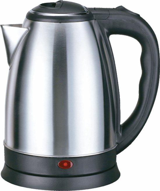 不鏽鋼快煮壺。 圖/大潤發提供