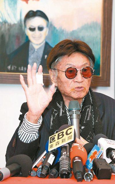 傅達仁出席畫展持續推動安樂死。 記者陳立凱/攝影