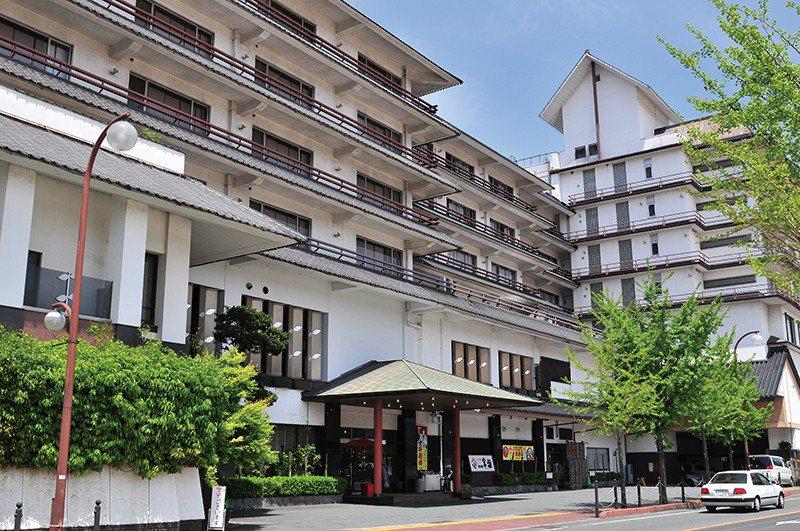 總客房數多達90間的大型溫泉旅館,擁有8種房型供不同需求的客人使用。