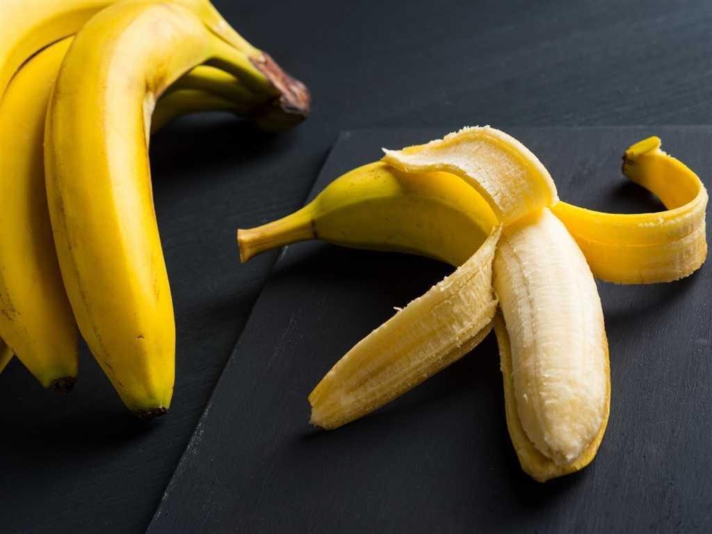 有許多長輩因為民間相傳的經驗說,認為筋骨酸痛就不能吃香蕉,專業醫師孫崇桓打破既有...
