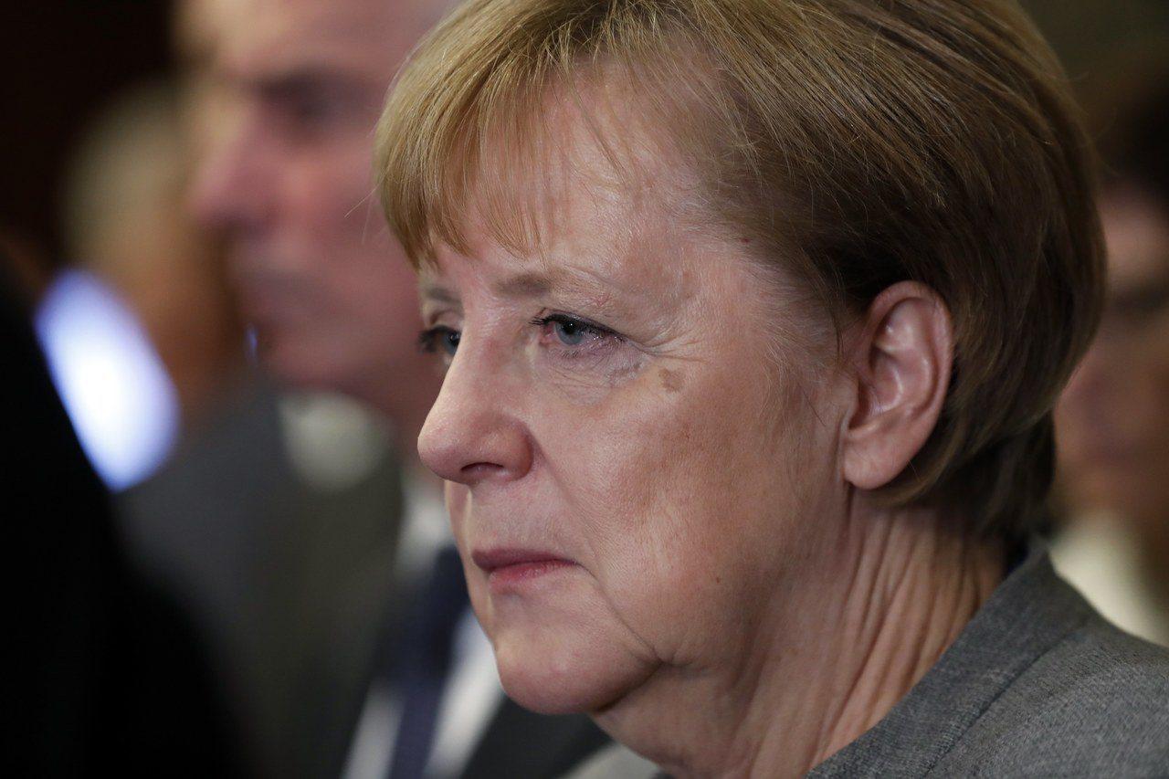 梅克爾19日與綠黨、自民黨協商組聯合政府,無奈談判最終仍破局。歐新社