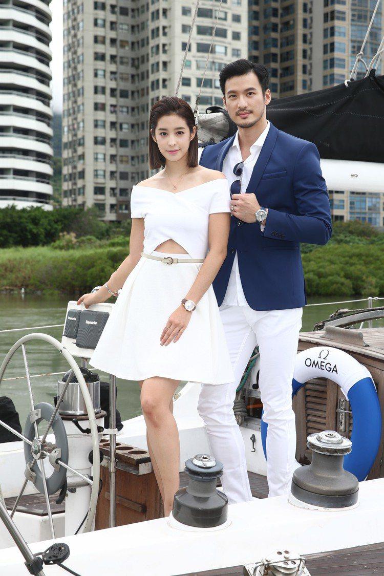 女星莫允雯(左)與男模洪翊展一同詮釋OMEGA海馬系列Aqua Terra新款腕...