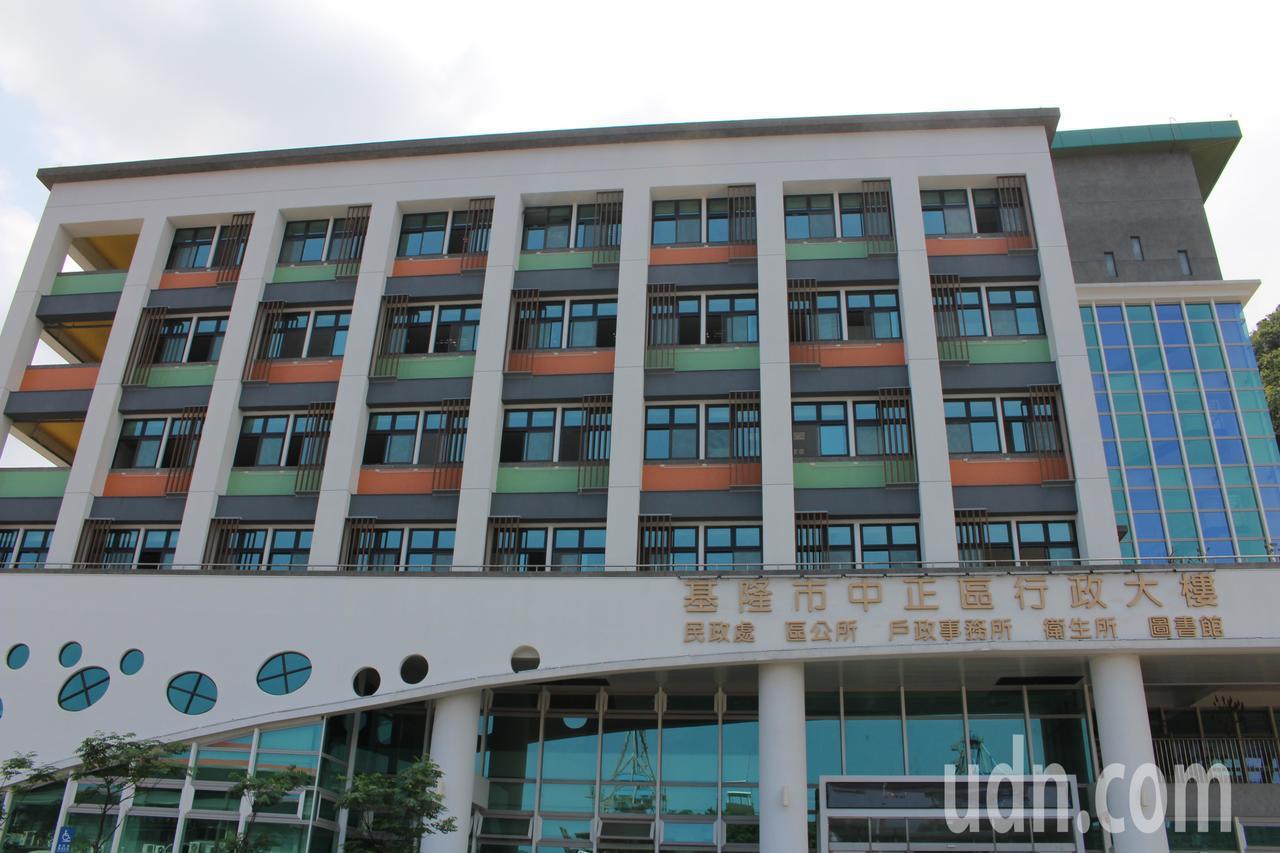 基市中正區行政大樓正在辦驗收,最快明年初完成。記者吳淑君/攝影