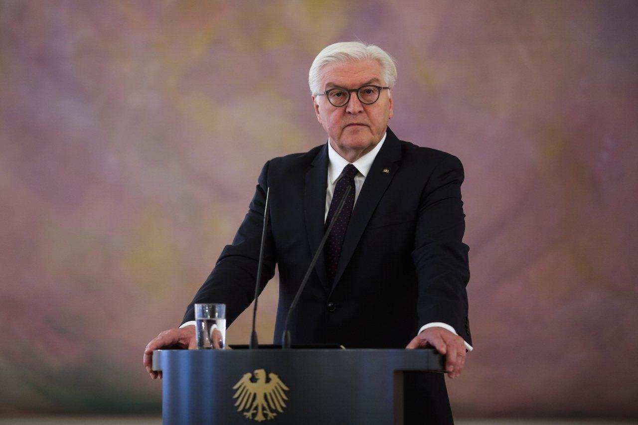 德國總統史坦麥爾20日在與總理梅克爾會面後,於記者會中呼籲參與籌組新聯合政府談判...
