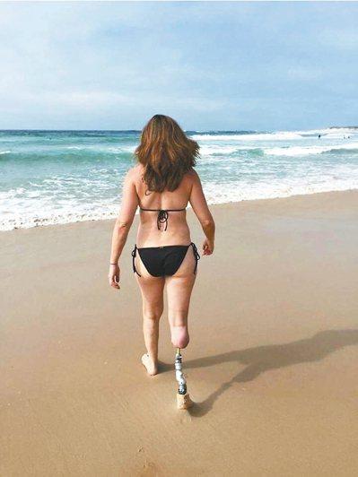 病患接受骨整合手術後重拾潛水樂趣。 圖/重維.歐恩比公司提供