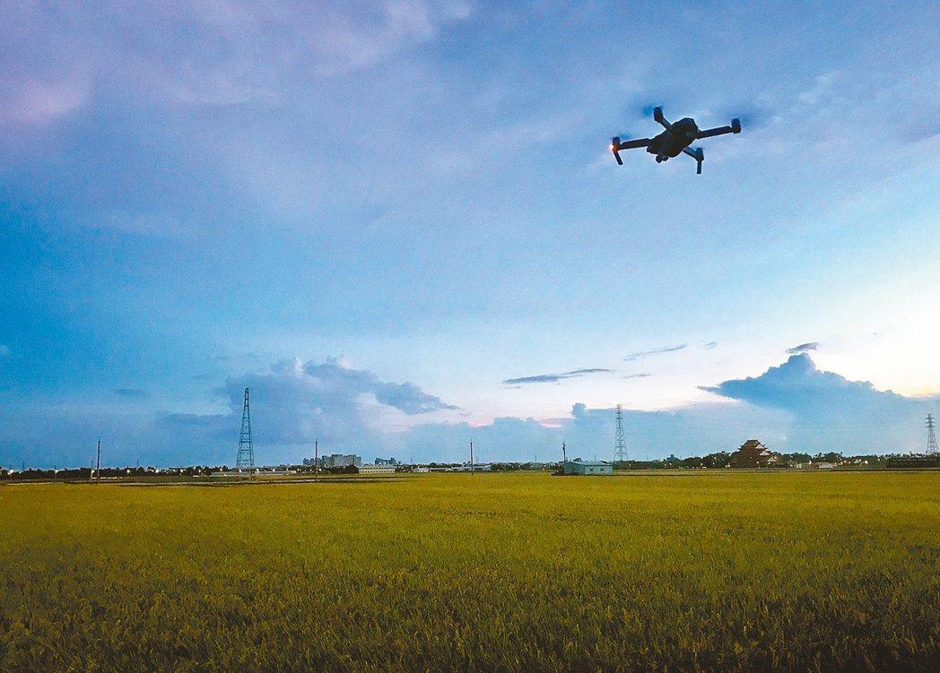 嘉義縣應維護農地資源面積總量是七點零四萬公頃,圖為縣府委託廠商出動無人機空拍農地...