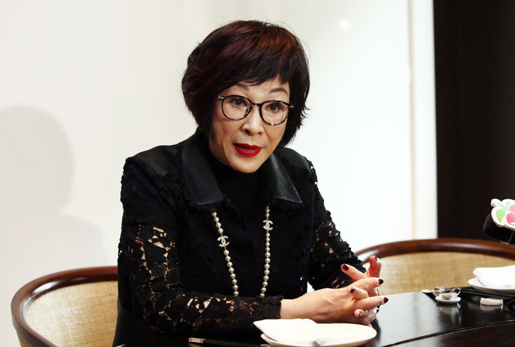 徐楓表示,夫婿突然過逝讓她措手不及,在2004到2007年間生活相當痛苦,但她不
