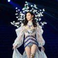 中國超模奚夢瑤秀仙氣內衣 上台沒多久就大摔跤