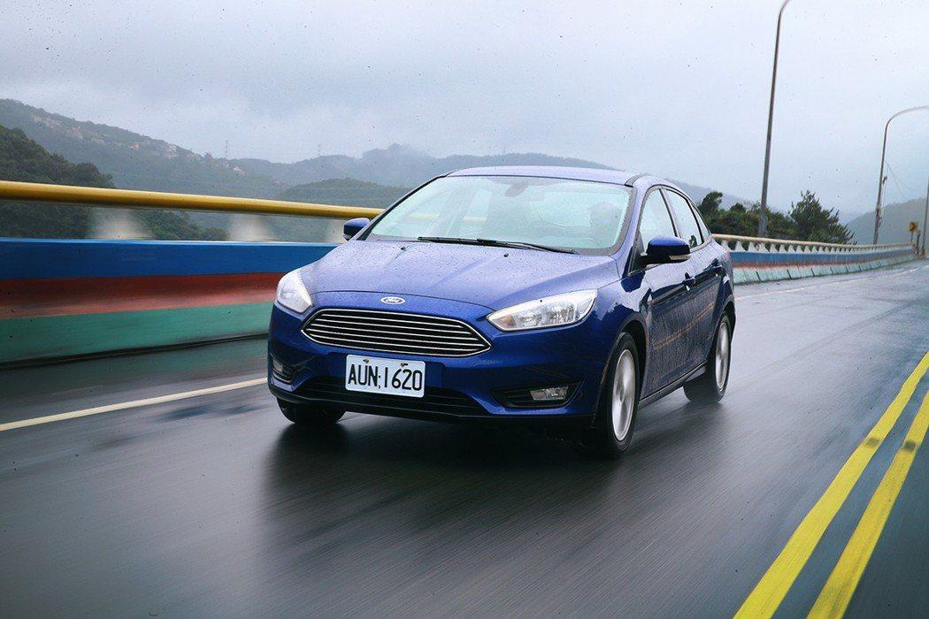 Ford Focus擁有歐系底盤血統,操控樂趣讓人滿意。  記者胡經周/攝影