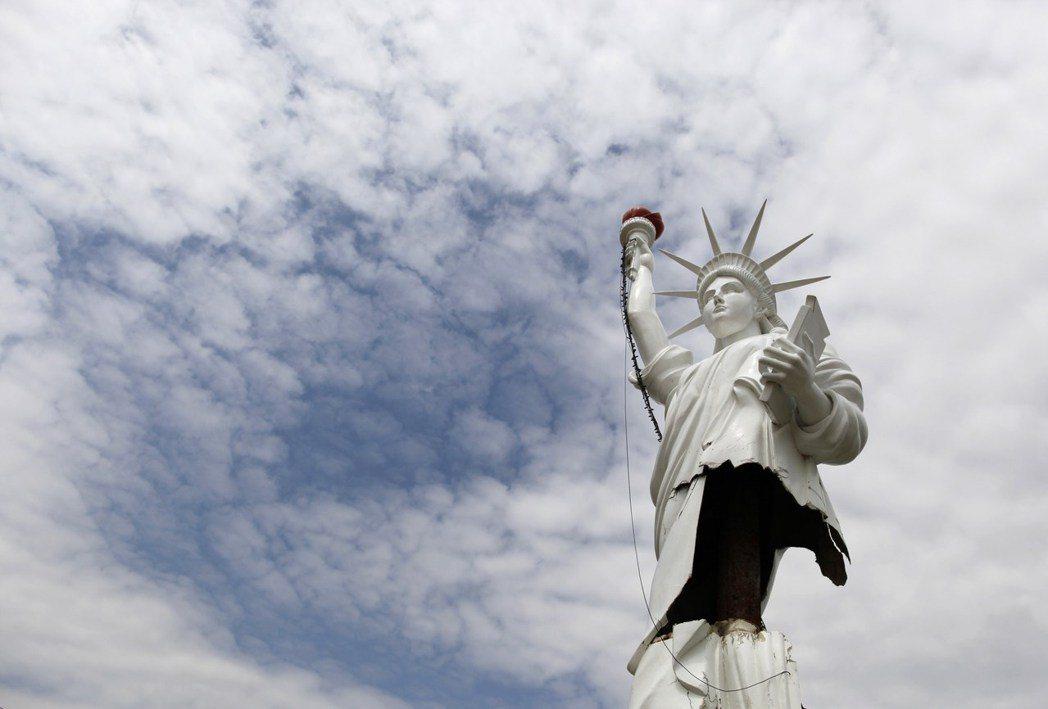 美國主流政治能否使人民重拾信心、向全世界再度敞開美國夢的大門? 圖/路透社