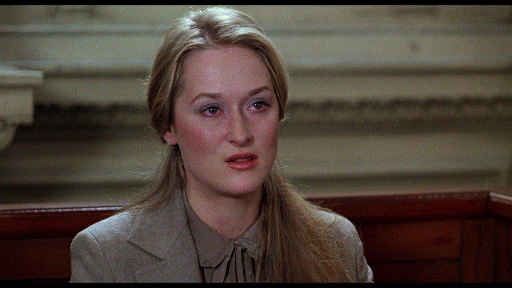 圖說:梅莉飾演追尋自我拋家棄子的喬安娜,為了爭取兒子撫養權在法庭和前夫打官司...