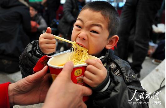中國大陸是世界上最大的泡麵消費國。 圖/取自人民網