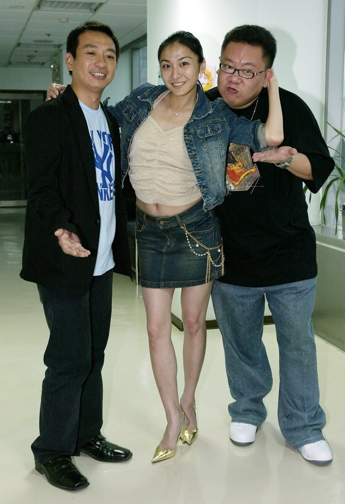 葉民志(右)演過多檔戲,中為江祖平,左為王中平。本報資料照