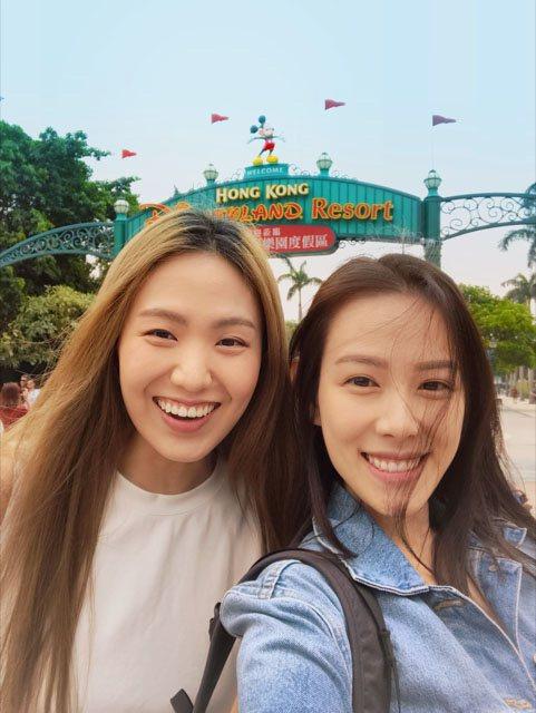 孫盛希(左)生日前飛往香港找閨蜜王詩安(右)慶生。圖/滾石唱片提供