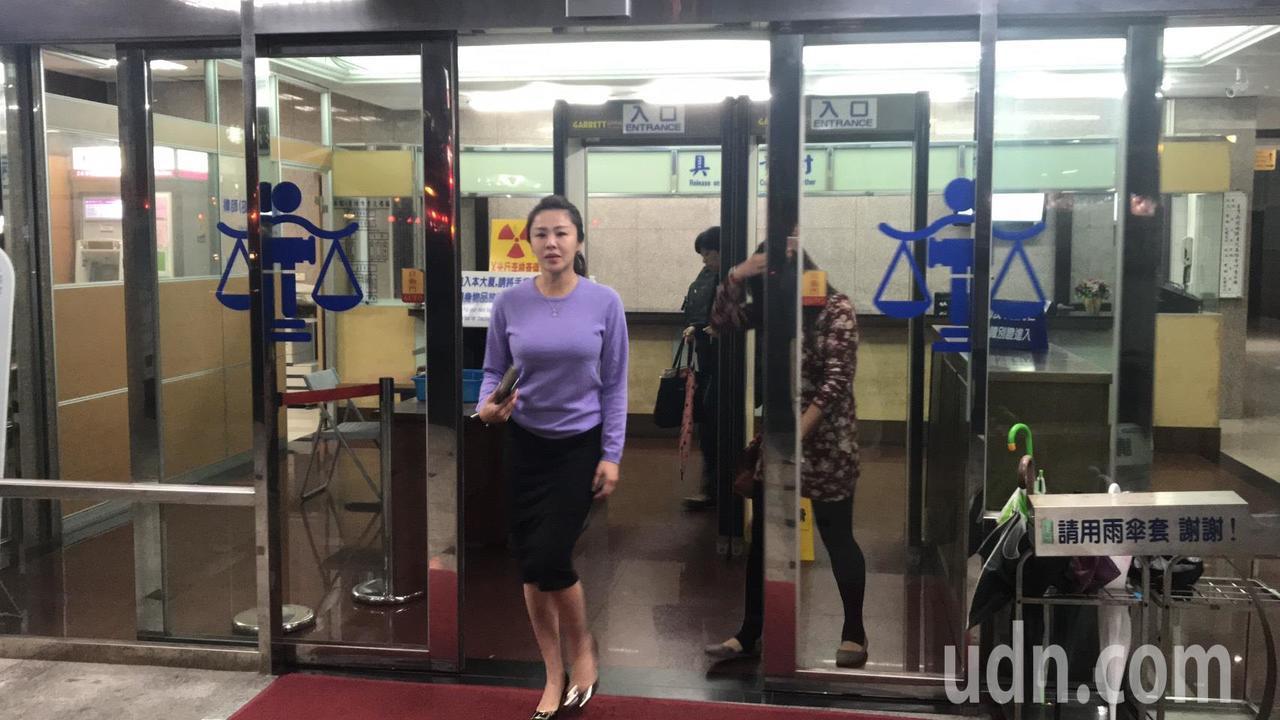 新北市議員李婉鈺被依公然侮辱罪起訴,今天首度開庭她否認犯行。記者袁志豪/攝影