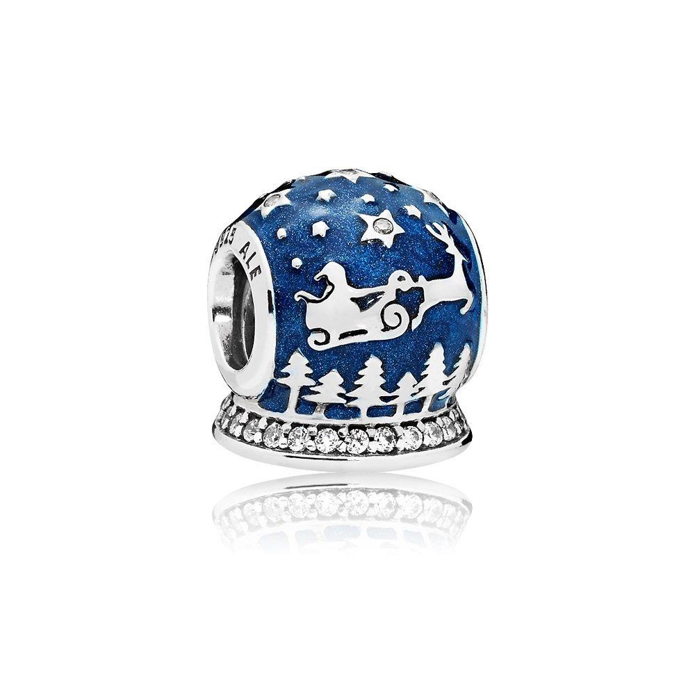 耶誕夜之夢925銀鋯石琺瑯串飾,2,180元。圖/PANDORA提供