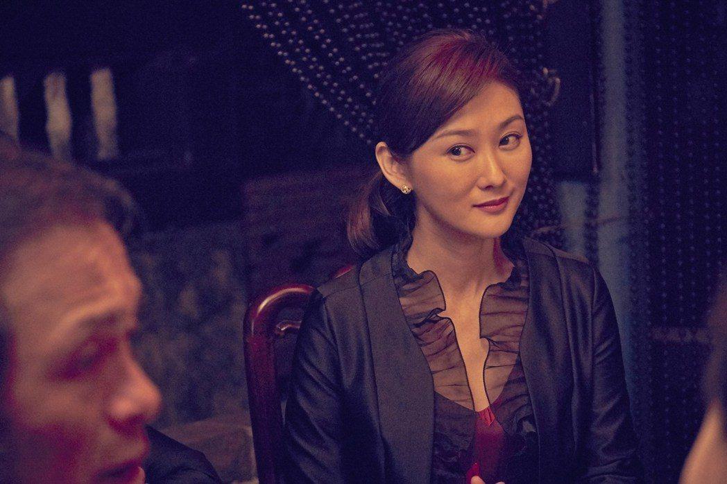陳珮騏扮演氣勢凌人的議長助理。圖/双喜提供