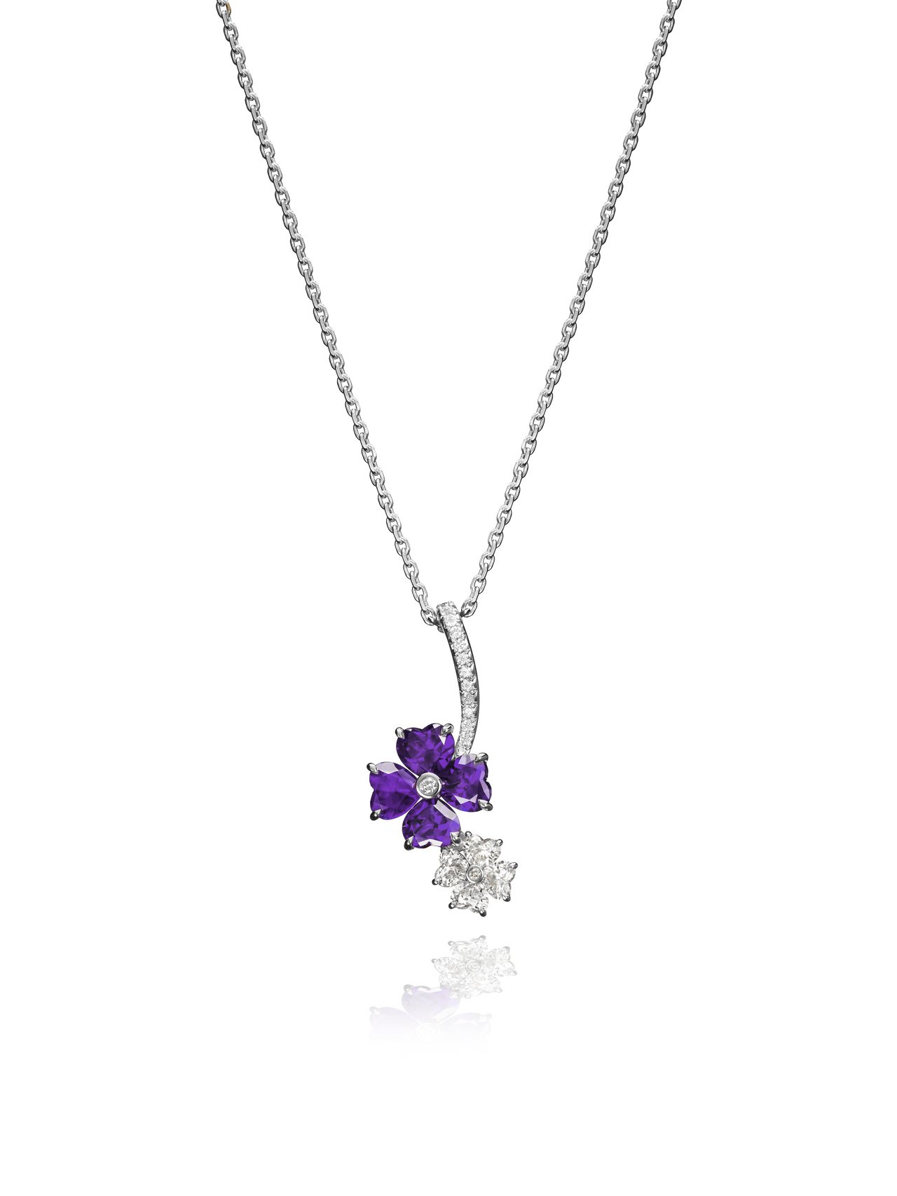 Precious Chopard系列項鍊,18K白金鑲嵌鑽石與4顆心形紫水晶,2...