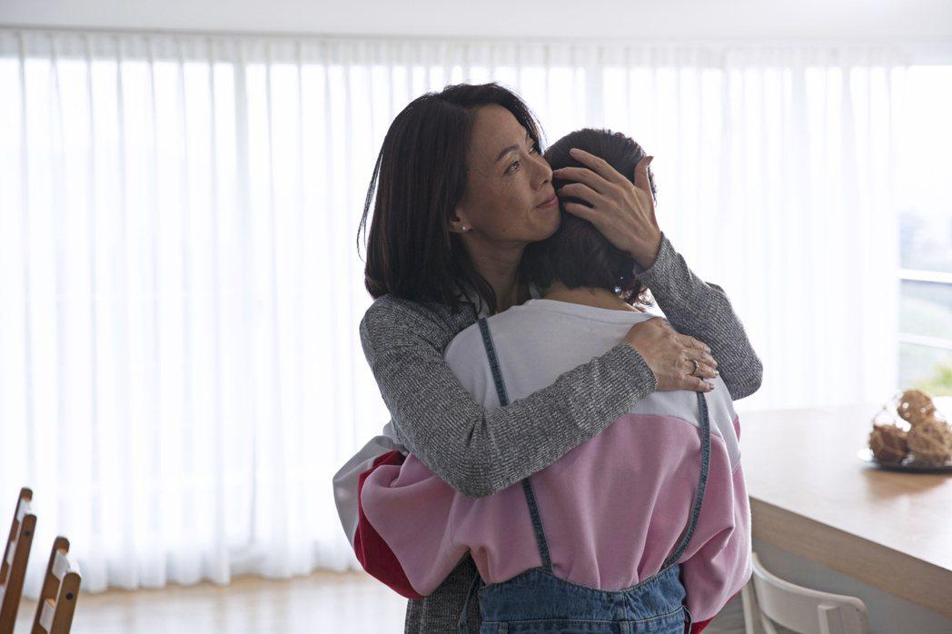 柯淑勤在「第一次」中飾演傳統保守的媽媽。圖/KKTV提供