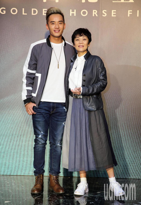馬來西亞電影《分貝人生》,張艾嘉(右)與陳澤耀(左)在片中飾演母子。記者胡經周/