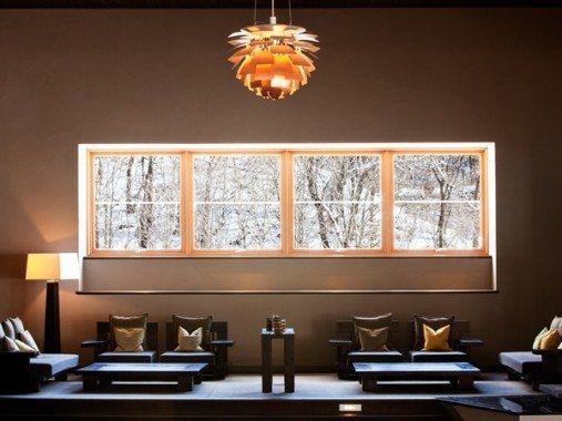 輕井澤是東京富豪的避暑勝地,茂密的森林中到處充滿異國風味的別墅、法式餐廳、咖啡廳...