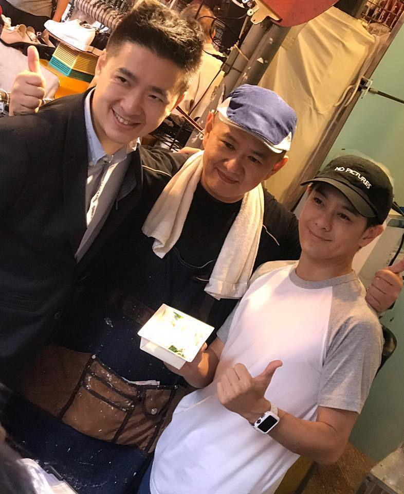 林志穎(右)為哥哥的腸粉攤站台。圖/摘自臉書