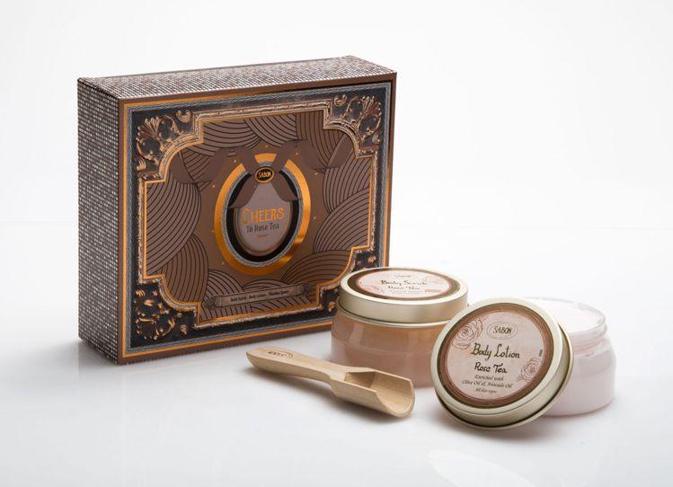 SABON玫瑰茶語柔嫩美體組,售價1,580元。圖/SABON提供