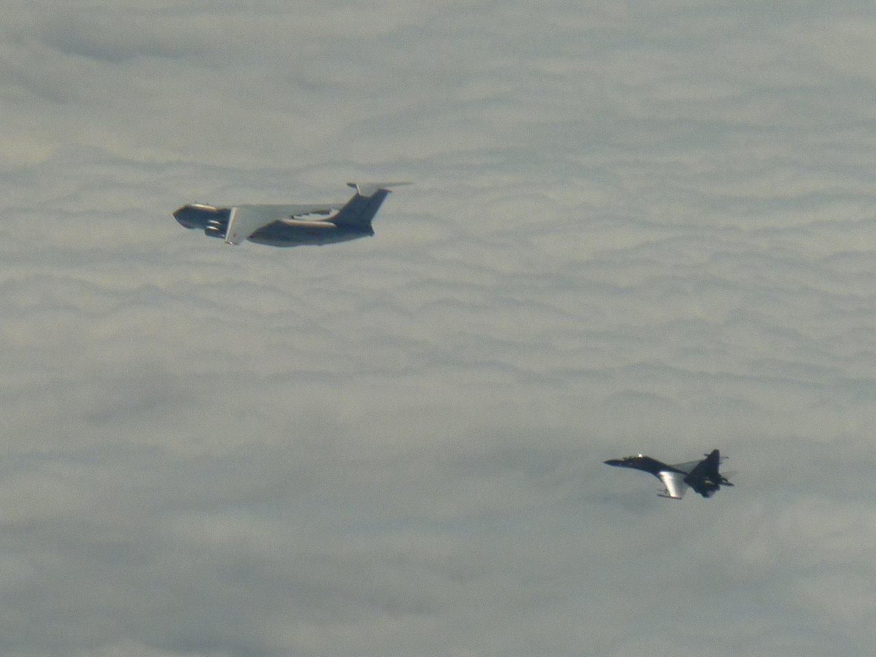 中共IL-78及Su-30。國防部提供