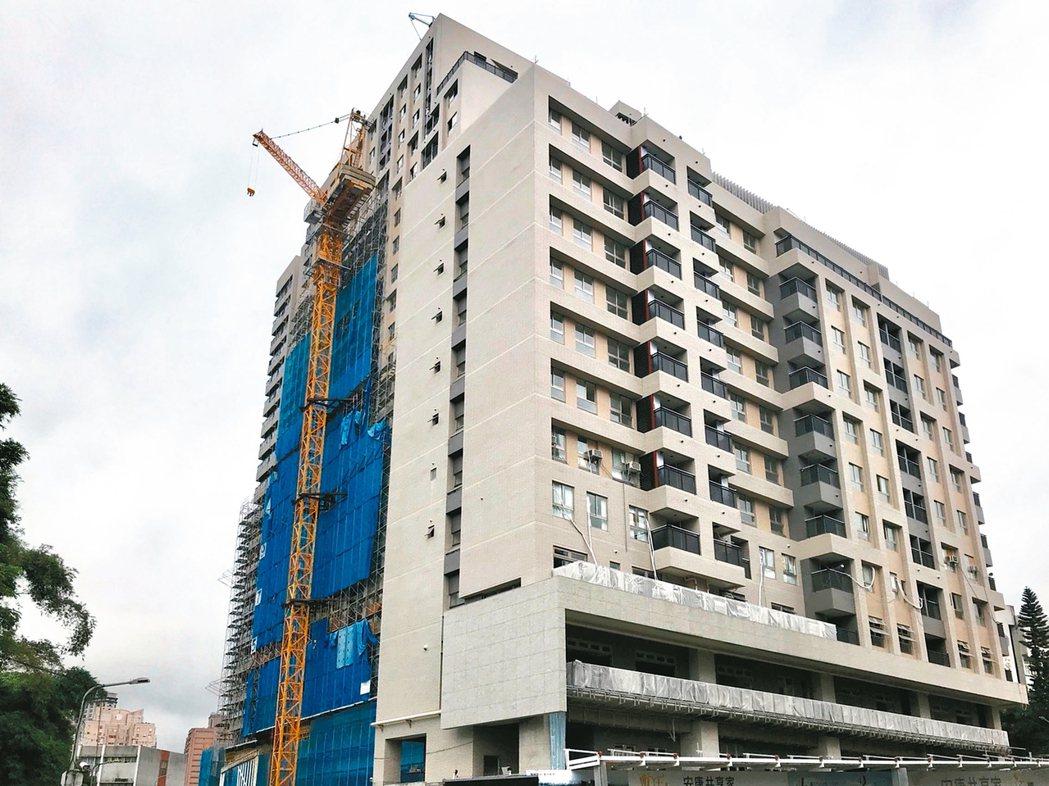 北市耗資20.6億元打造興隆公共住宅2區,總戶數多達526戶。 圖/台北市都發局...
