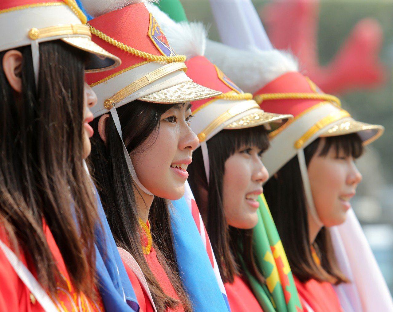 高雄女中儀隊。聯合報系資料照/記者劉學聖攝影