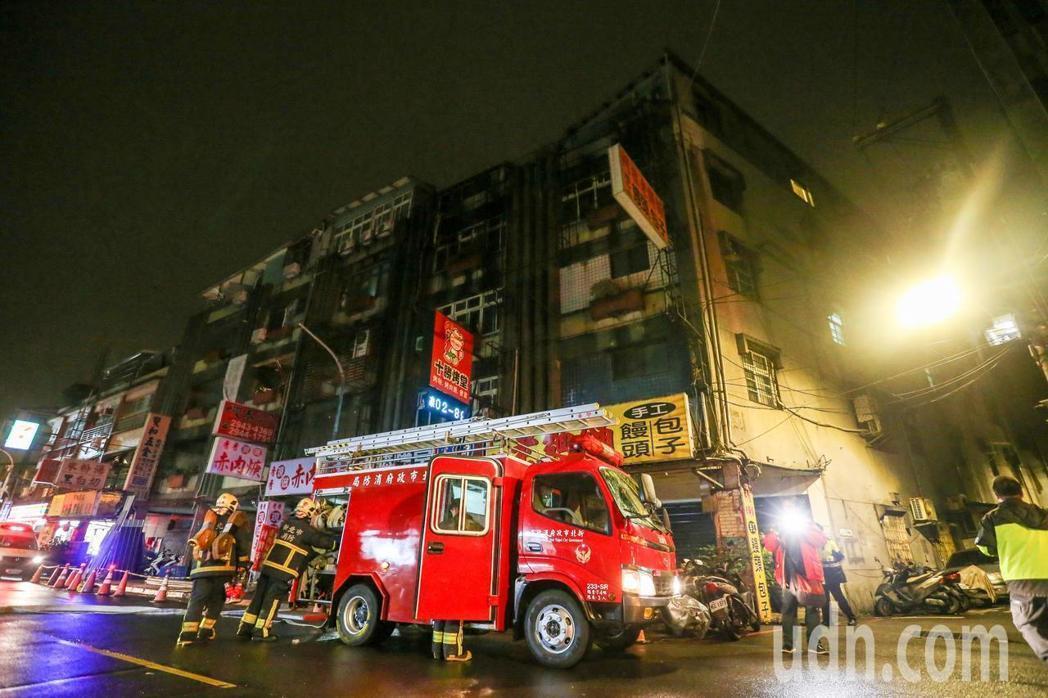 新北市中和區興南路公寓出租套房火警釀9死。本報資料照片