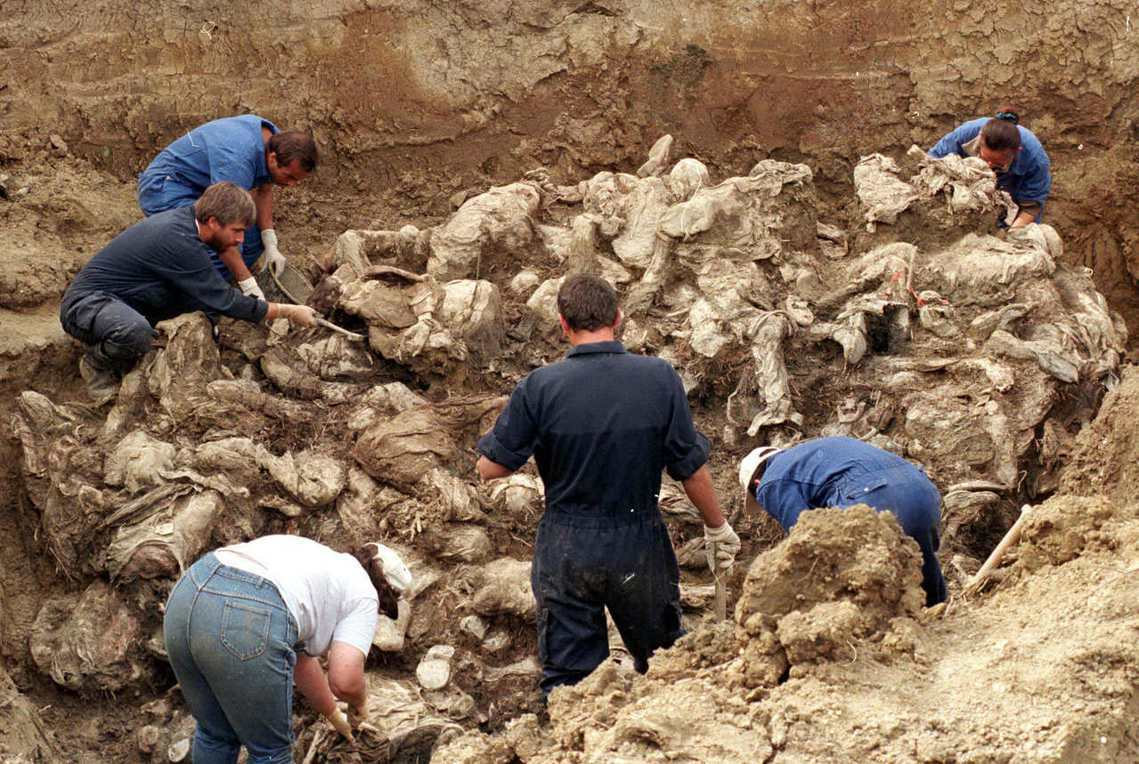 斯雷布雷尼察大屠殺的千人塚。 圖/路透社