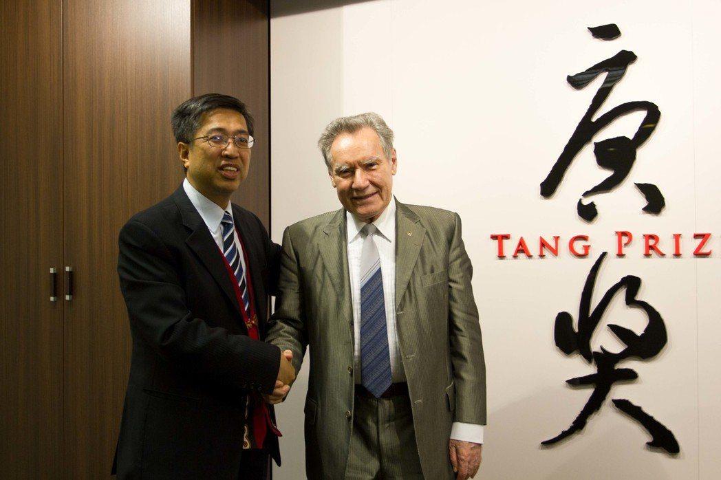 圖3:古塞夫(B. V. Gusev) 院長與陳振川理事長合影。圖/主辦單位提供