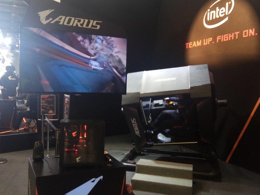 技嘉AORUS攤位的VR遊戲體驗區。 攝影/余峯