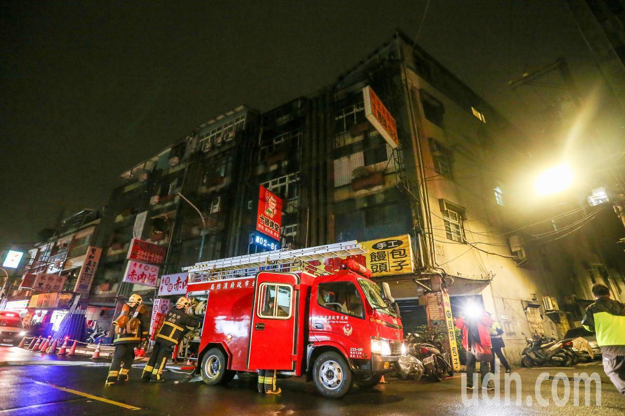 新北市中和區興南路公寓出租套房昨晚發生9死2傷火警。記者鄭清元/攝影