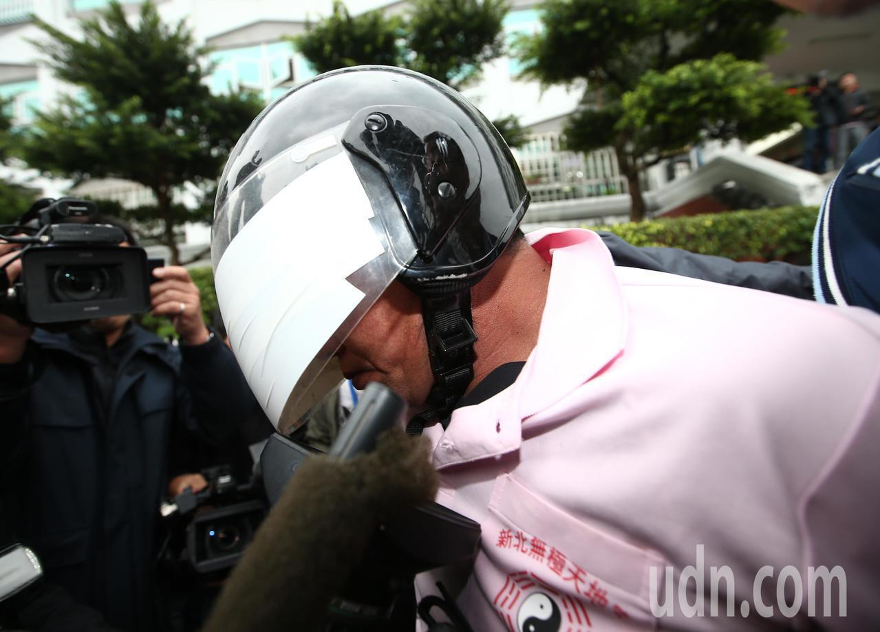 新北市中和區興南路二段9死2傷火警, 警方在凌晨逮捕到嫌犯李國輝。記者杜建重/攝...
