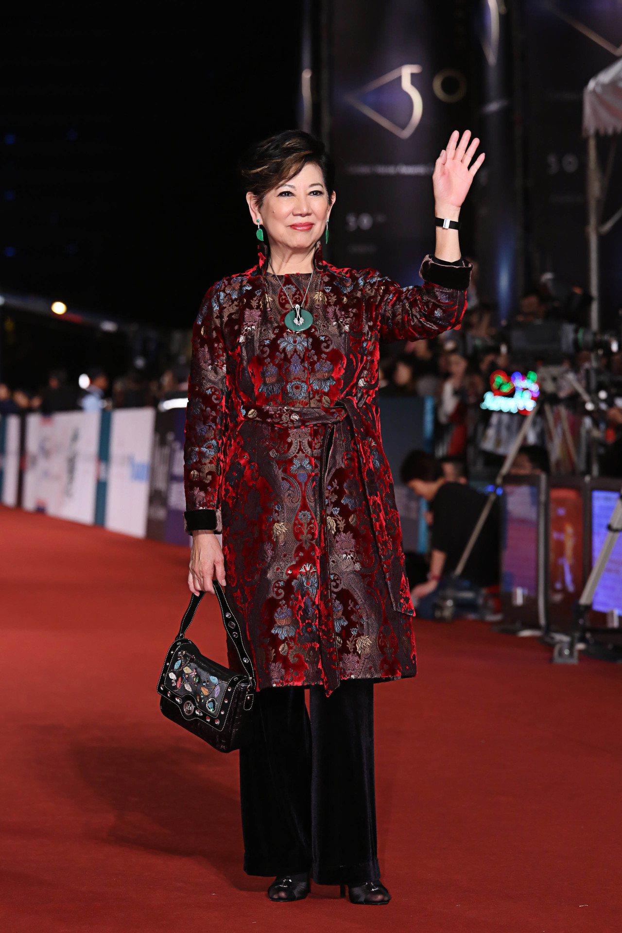 資深影后凌波配戴伯爵腕表出席「第50屆金馬獎」。圖/伯爵提供