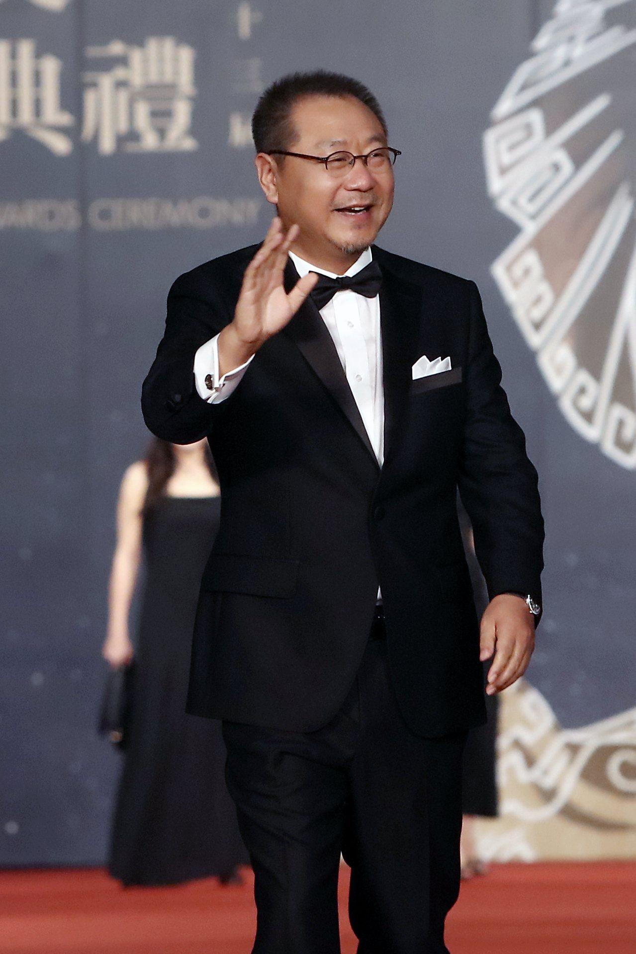 范偉配戴伯爵奪得金馬53最佳男主角。圖/伯爵提供