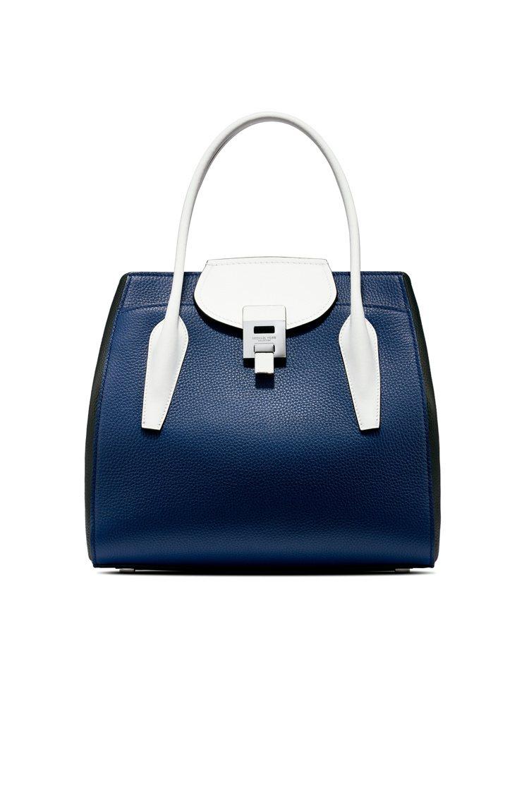 Bancroft藍白色拼接提包,售價45,000元。圖/MICHAEL KORS...