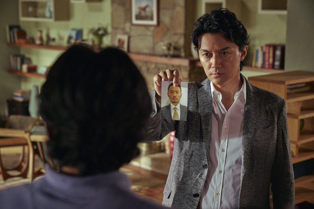 福山雅治演出吳宇森新片「追捕」。圖/華映提供
